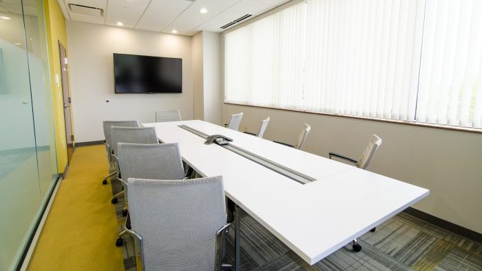 5 Reasons You Should Use A Dedicated Conference Room Touchscreen